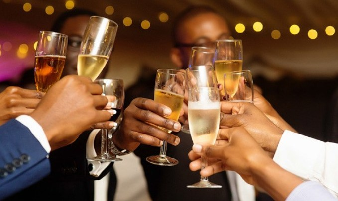 nigerians-drink-champagne